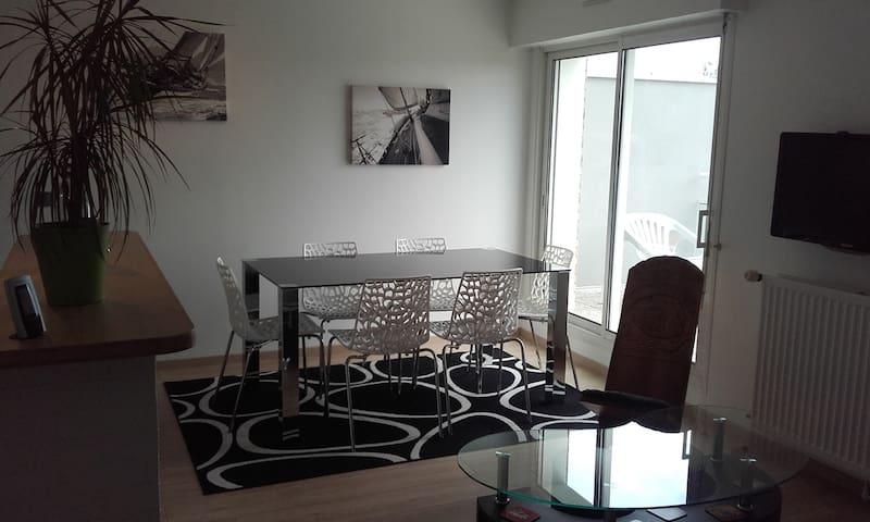 Appartement 2 pièces avec balcon - Vannes - Lägenhet