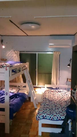 Homestay in arty house / dorm L bed @ Sakai City! - Sakai-shi - บ้าน