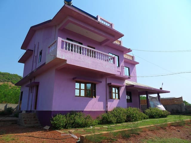 Lilac House:Apartment with sea view - Morjim