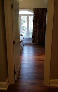 Private room with ensuite on lake. - Markham