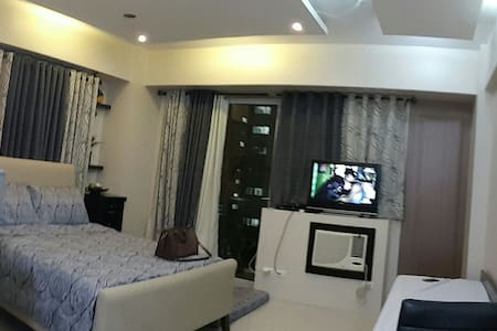 COZY STUDIO UNIT IN NAIA3/NEWPORT