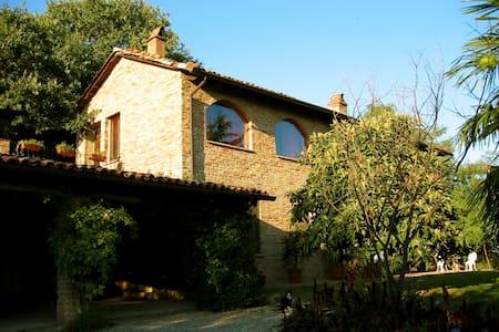 Italian Sojourn - Vignale Monferrato - Huis