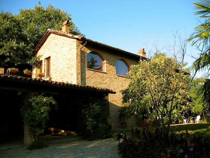 La Rocca Vineyards B&B (Italian Sojourn)
