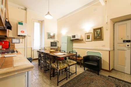 Charming flat in central Rome (G)