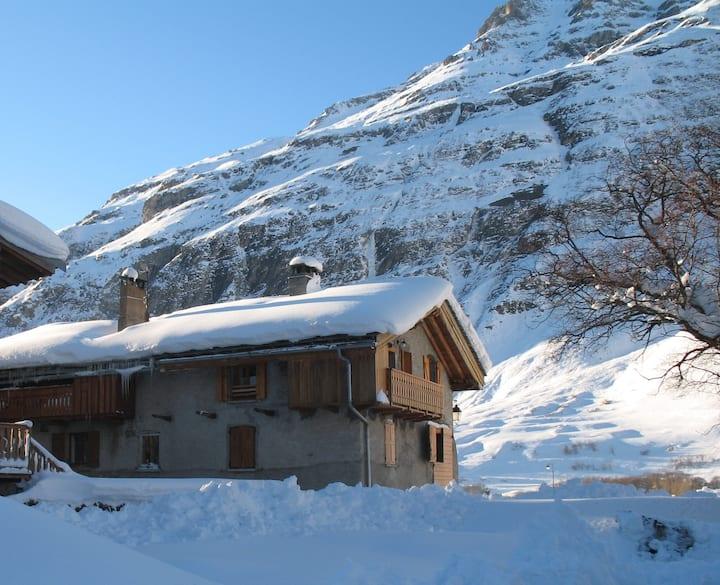 Grange des Bouraches, (haut) 6 à 8 places (65m2)