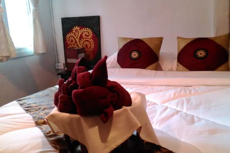 Queen size bed private room : MA-A - Chang Khlan