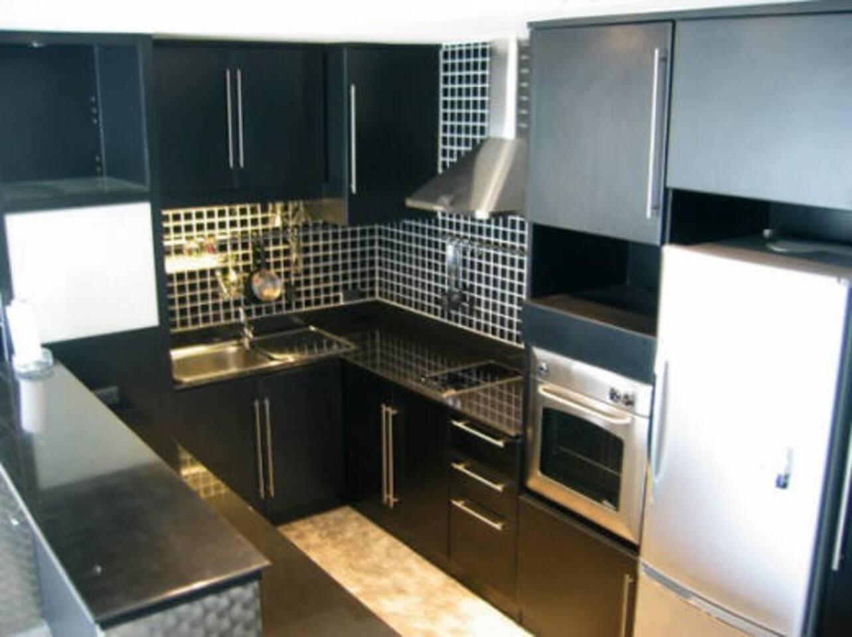 Large, modern condo w/kitchen wifi