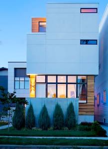 Modern Home Rental in Tremont
