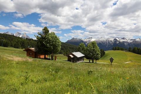 Chalet El Baitel - romantisk hjerte av Alpe Lusia
