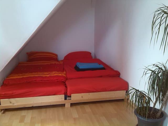 Taghelle Dachgeschosswohnung - Top! - Augsburg - Apartment