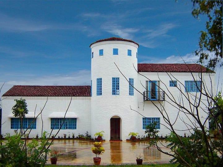 Villa Bohol (Casa Santa Barbara)