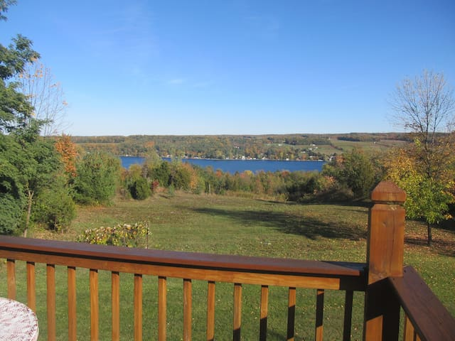 Chalet overlooking Keuka Lake - Penn Yan - House