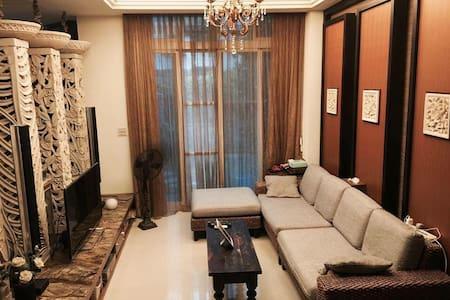 美式别墅峇里岛风/機場接送/包車旅遊