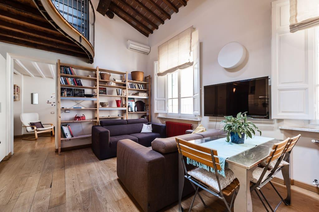 Attico moderno in centro storico appartamenti in affitto for In legge suite in affitto