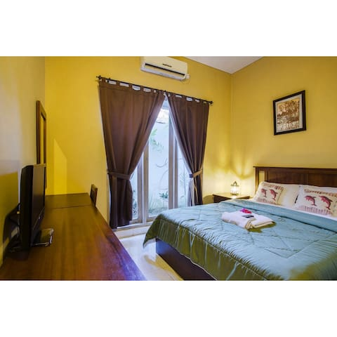 Narita Cozy Tropical Homestay in Sanur Bali