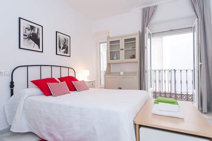 APART WIFI-IN MAIN SHOPPIG-PARKING - Seville - Apartment