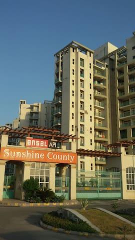 4BR Flat Kundli Sonipat North Delhi - Sonipat - Apartament