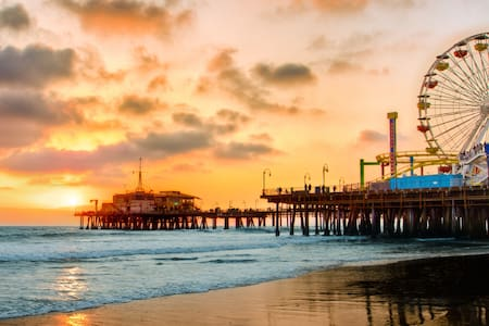 Downtown Santa Monica By the Pier