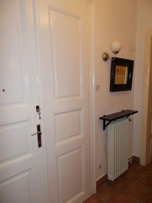 Apartment entrance hall - details