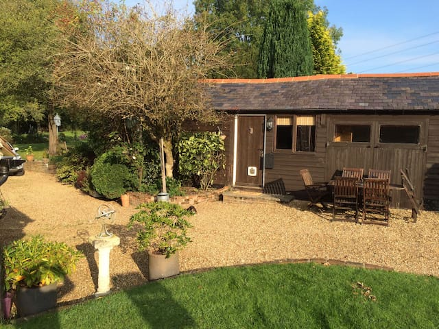 Lovely 2 Bedroom Cosy Annexe