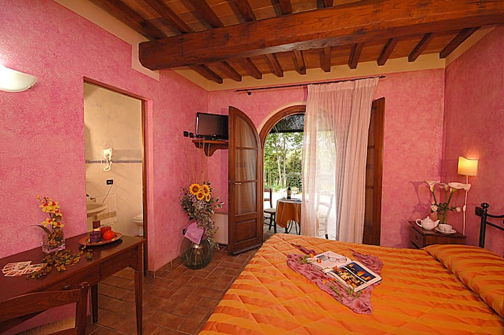 La bella campagna di S. Gimignano Bed & Breakfast