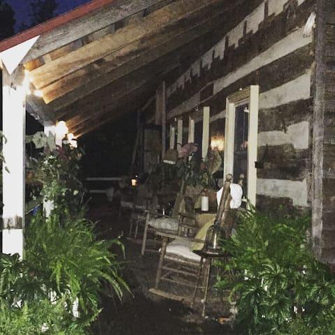 Cedar House-VA Log Cabin - Amissville - House