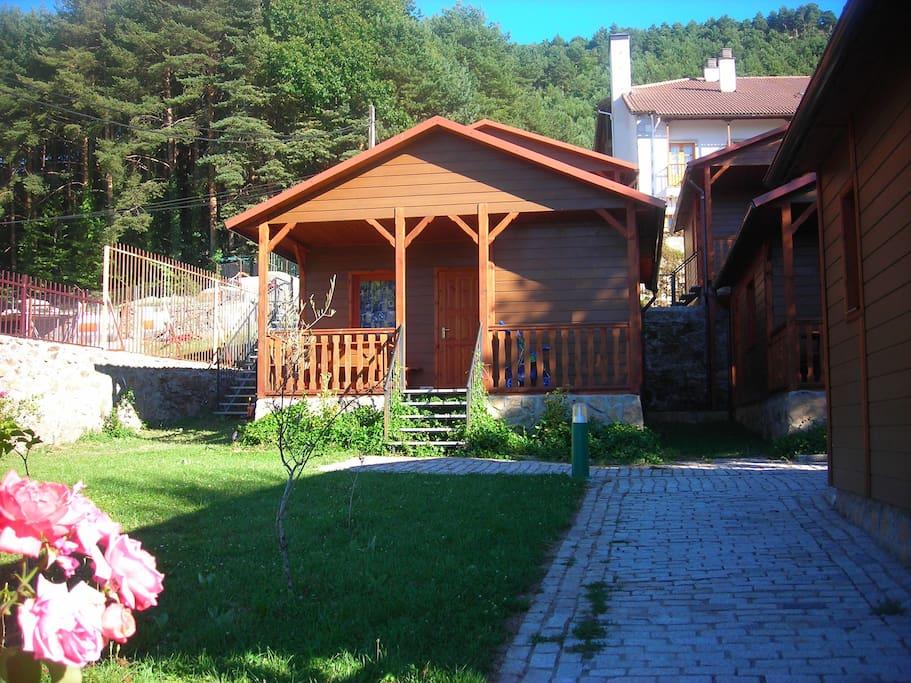 Casas de madera cinco casta os casas en alquiler en for Inmobiliarias salamanca alquiler