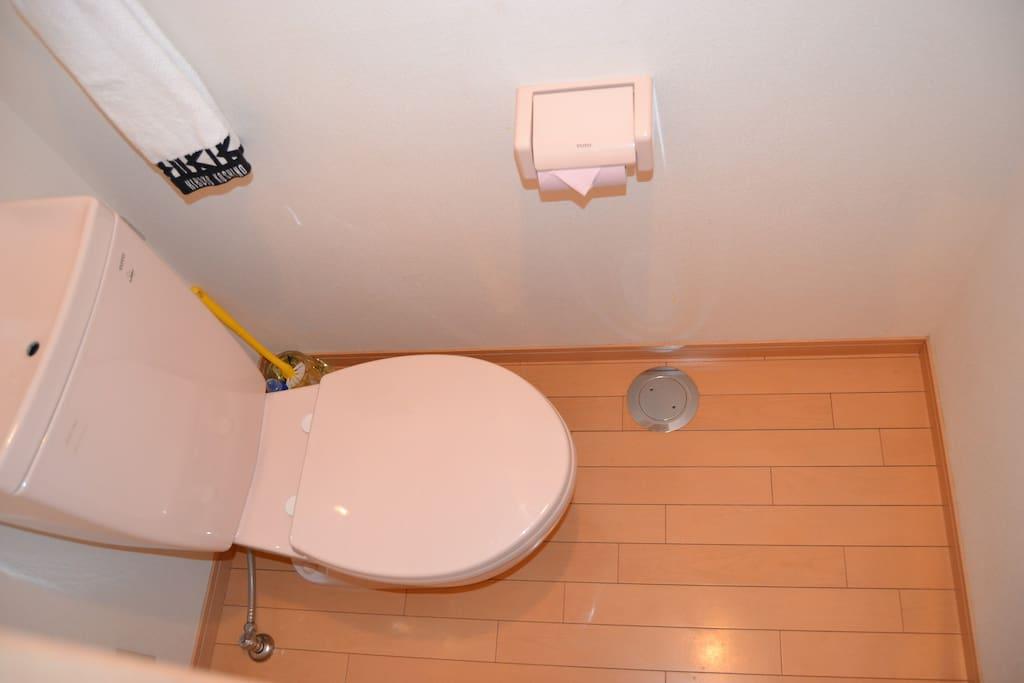 トイレ Toilet