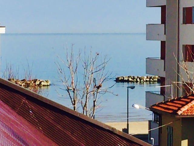 ultimo piano pochi passi dal mare - Francavilla al Mare