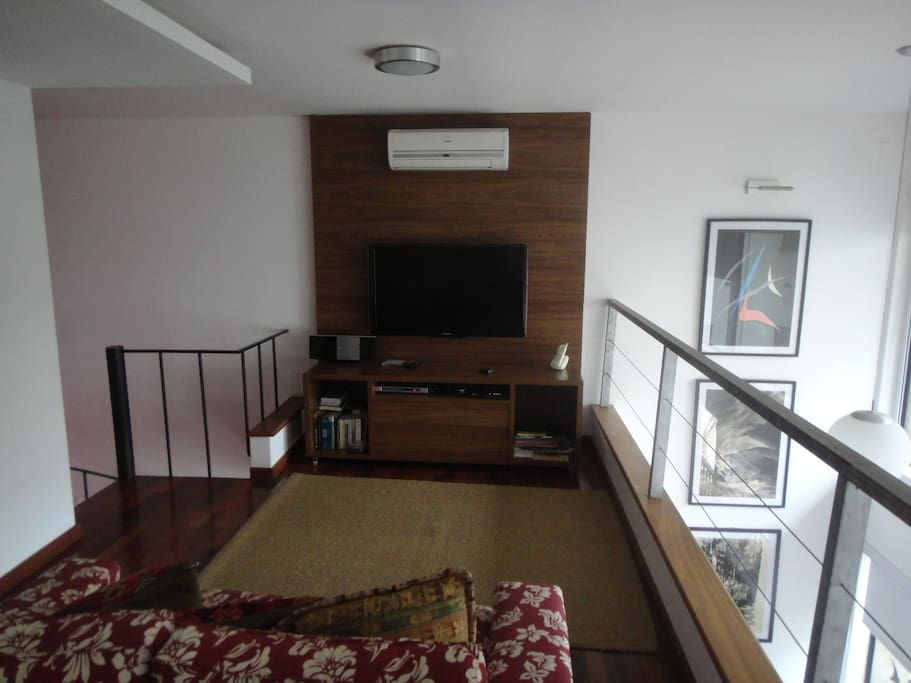 Andar Superior - TV / Upper Level - TV