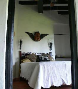 Casa de las Palmas, Cuarto Pequeño - Taxco