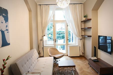 Art Nouveau apartment next to the Old Town Square! - Prague