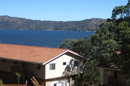 Eagle's Nest: Family Retreat or Romantic Getaway - Clearlake Oaks - Ev