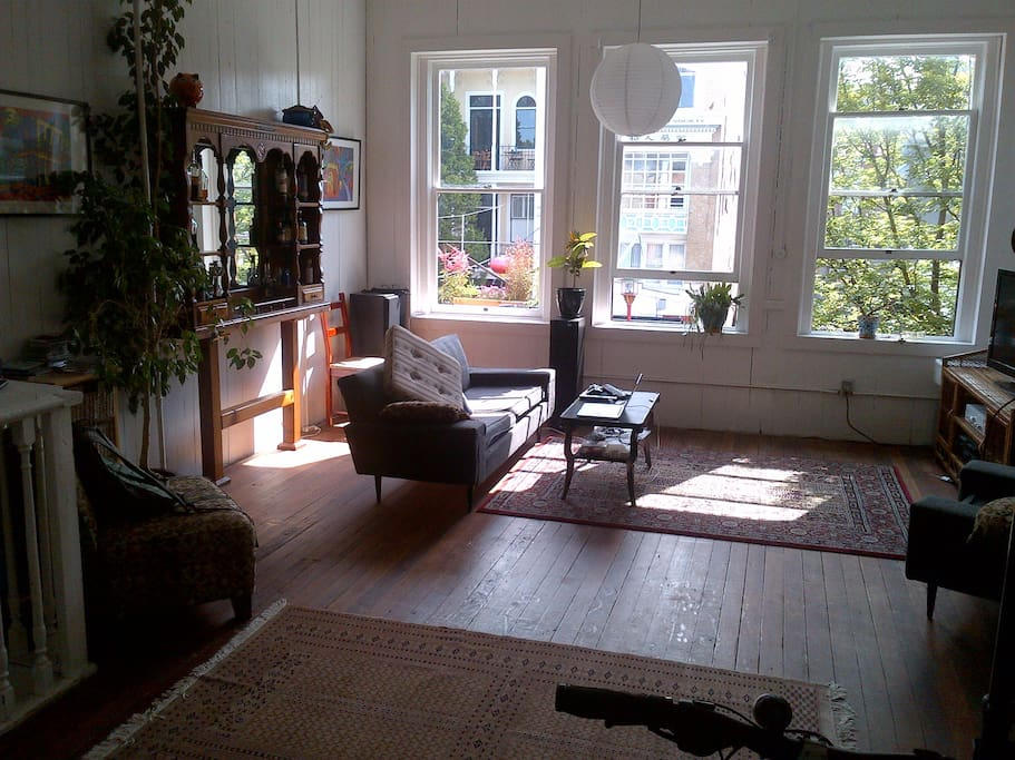 Amazing chinatown loft loft in affitto a victoria for Cabine in affitto a victoria bc