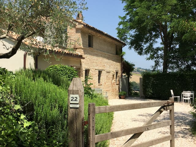Casa Bartolo; quiet country living near the sea.