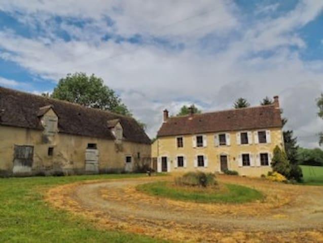 Farmhouse in private grounds - Préaux-du-Perche - Casa