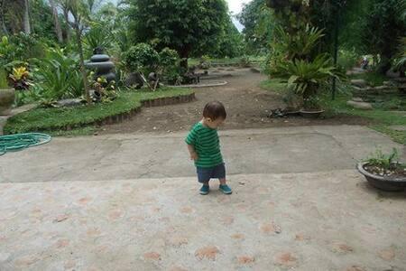 rest house in rural setting - Pila