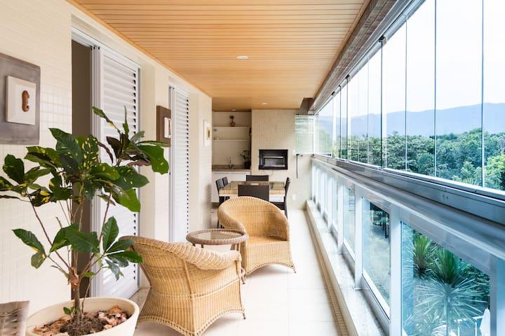 Lindo apartamento na praia Riviera