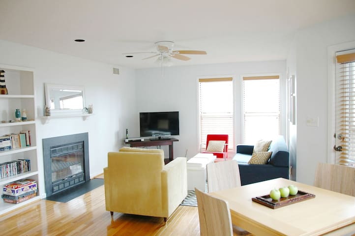 The spacious 1100 sq. ft. condo overlooks the bay from the second floor