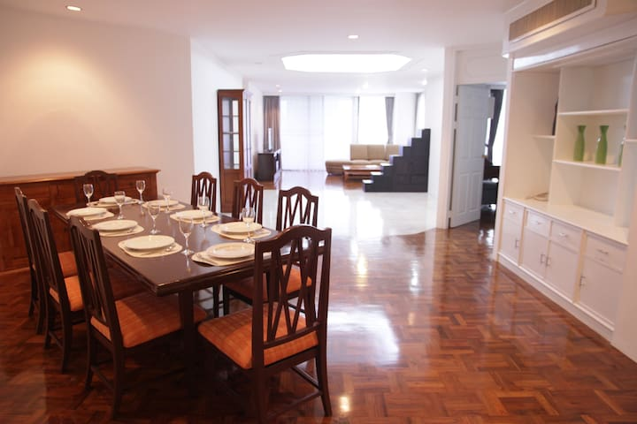 215SQM Amazing Location 1minBTS Free WIFI POOL ++