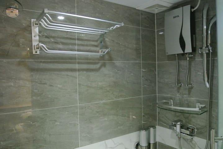 Washroom 洗手間