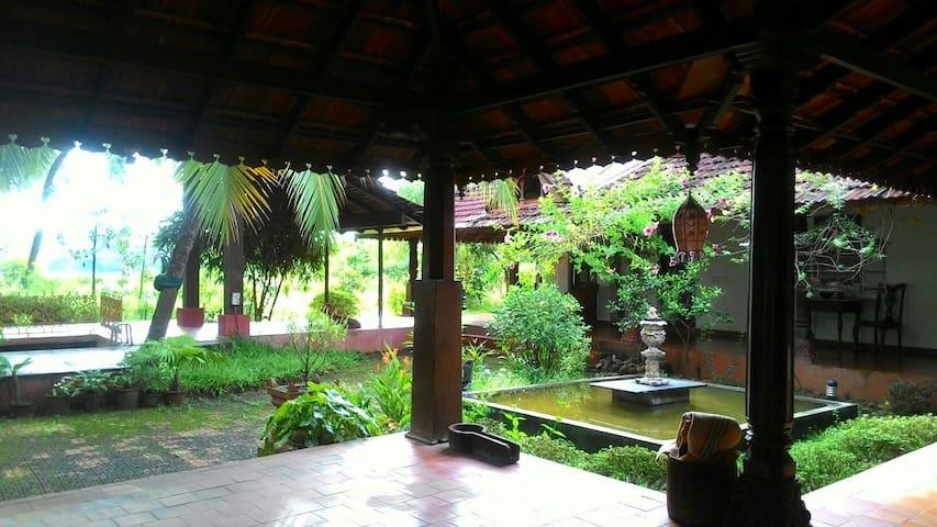 Peaceful heritage retreat room