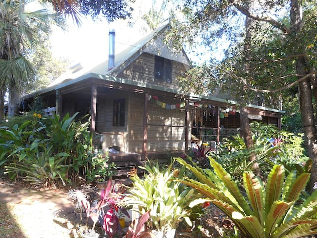 Rainforest Haven  , near beaches , ! close to town - Mullumbimby - Huis