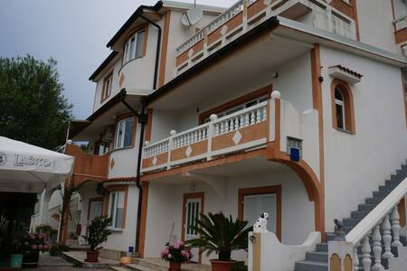 Beautiful familly House for your  best vacations - Apartment