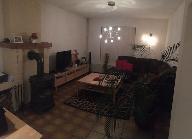 Moderne grote woning met houtkachel - Heerlen - บ้าน