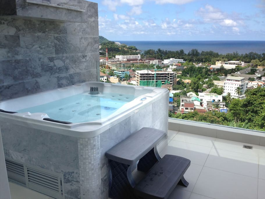 Jacuzzi on balcony