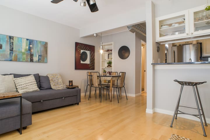 W 6th Condo with Pool • Chic & Central Gem •