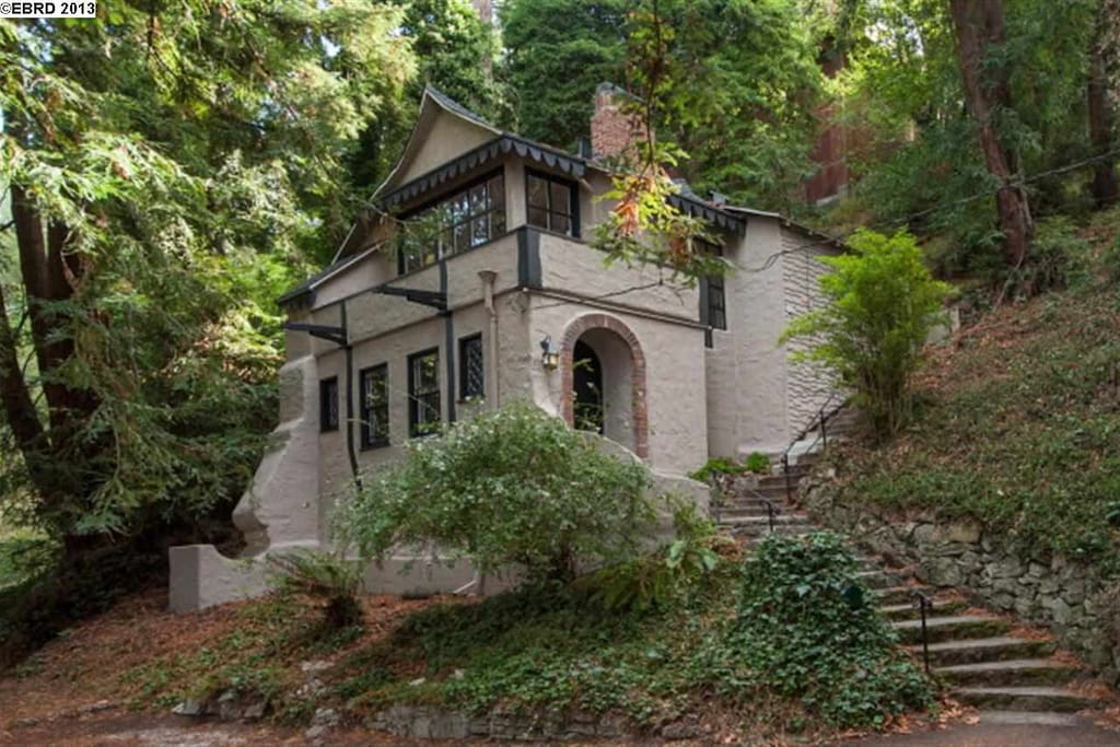 Storybook cottage 1925 maisons louer berkeley californie tats unis - Maison hillside gipsy a berkeley en californie ...
