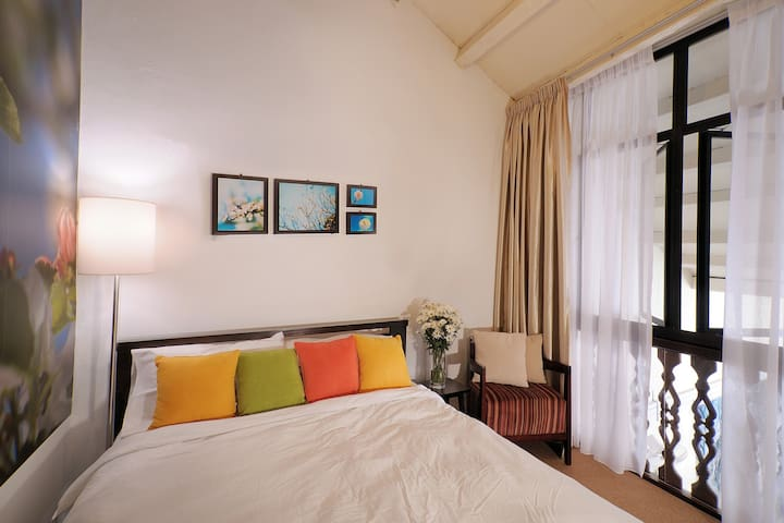 Acheh Room @ Carnarvon House - George Town - Bed & Breakfast