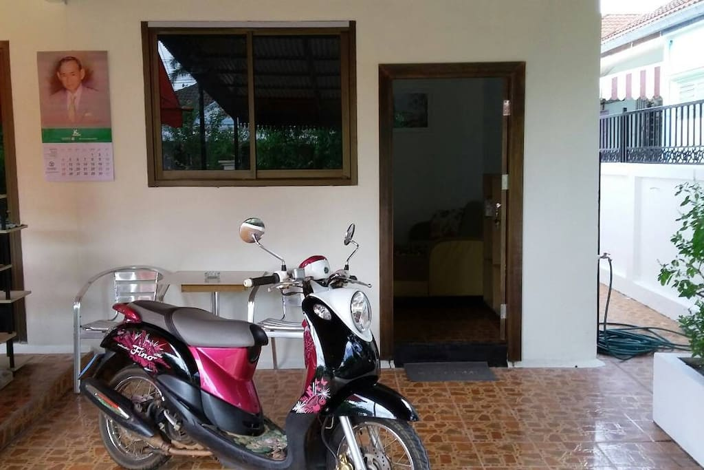 Nice 1 bedroom small villa with Living room and Kitchen. Hi speed internet